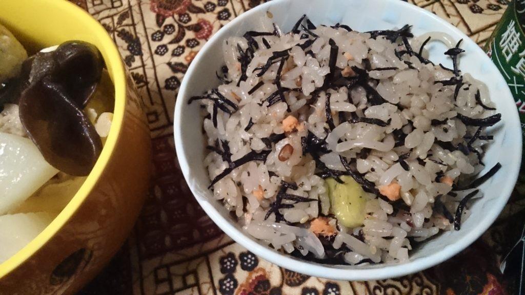 ヒジキ 白滝 枝豆 雑穀 しゃけご飯 糖質制限やってみた