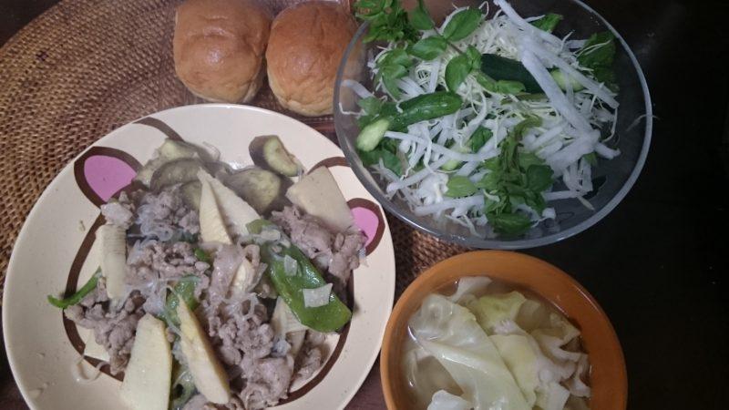糖質制限で米を食べるダイエット 白滝で焼きビーフン サラダ ブランパン